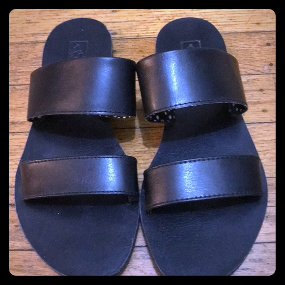 185dd7c70e7 Vans leather slide sandals! M 5a3f437a85e6053ea106fcc9